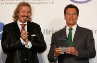 Thomas Gottschalks and Arnold Schwarzenegger at the ceremony at Herrenhaeuser Gaerten.