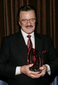 Robert Goulet at the Wellness Community - West Los Angeles' Seventh Annual