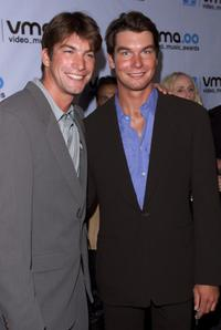 Charlie O'Connell and Jerry O'Connell at the 2000 MTV Video Music Awards.