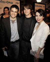 Director Thor Freudenthal, Johnny Simmons and Emma Roberts at the premiere of