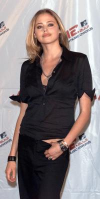 Estella Warren at the 2001 MTV Video Music Awards.