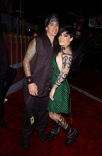 Carey Hart and his girl friend Pink at the 2002 MTV Video Music Awards.