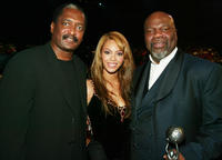 Matthew Knowles, Beyonce Knowles and T.D. Jakes at the 35th Annual NAACP Image Awards in California.