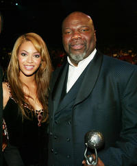 Beyonce Knowles and T.D. Jakes at the 35th Annual NAACP Image Awards in California.