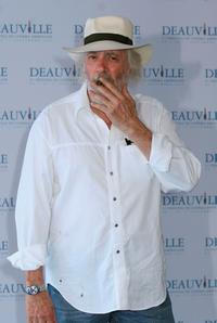 Robert Towne at a photocall during the 31st Deauville Festival Of American Film.