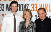Colin Hanks, Jane Fonda and Zach Grenier at the photo call with the cast of