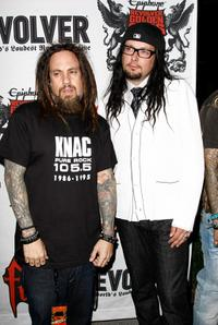Fieldy and Jonathan Davis at the 1st Annual Epiphone Revolver Golden Gods Awards.