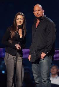 Gretchen Wilson and Stone Cold Steve Austin at the 2007 CMT Music Awards.