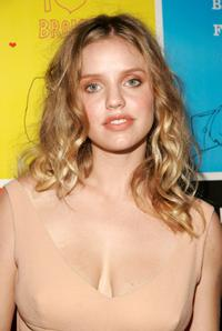 Kelli Garner at the premiere of