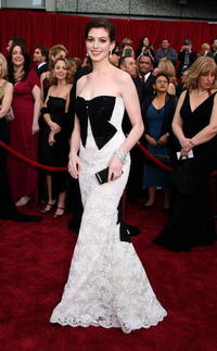 Anne Hathaway at the 79th Annual Academy Awards.