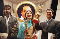 Suneil Shetty, Kareena Kapoor and Sachin Tendulkar at the Rajiv Gandhi Awards.