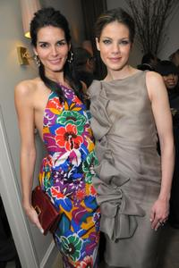 Angie Harmon and Michelle Monaghan at the Kara Ross NY Oscar Collection cocktail party.