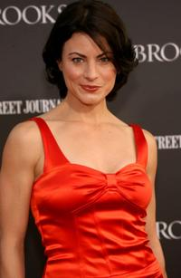 Traci Dinwiddie at the Los Angeles premiere of