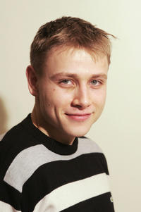 Max Riemelt at the portrait session of