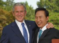 President George W. Bush and President Lee Myung-bak at the presidential Blue House in Seoul.