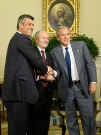 Prime Minister Hashim Thaci, Kosovar President Fatmir Sejdiu and President George W. Bush at the meeting in the Oval Office of the White House.