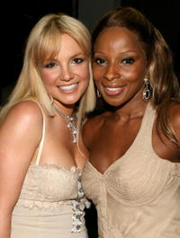 Britney Spears and Mary J. Blige backstage at the 2006 American Music Awards in L.A.