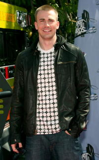 Chris Evans the 2007 MTV Movie Awards in Universal City.