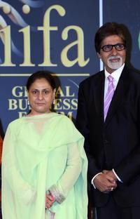 Jaya Bachchan and Amitabh Bachchan at the International Indian Film Academy (IIFA) Awards 2008.