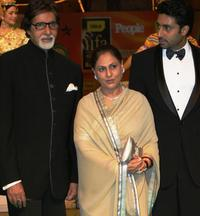 Amitabh, Jaya Bachchan and Abhishek Bachchan at the International Indian Film Academy (IIFA) Awards 2008 ceremony.