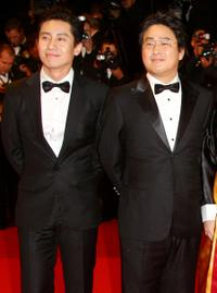 Shin Ha-kyun and Chan-Wook Park at the premiere of