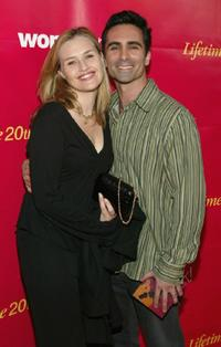 Nestor Carbonell and wife Shannon Kenny at the