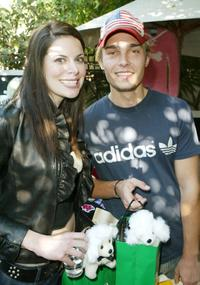 Courtney Fine and Joey Kern at the 2003 American Music Awards.