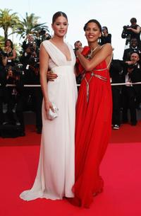 Doutzen Kroes and Noemie Lenoir at the premiere of