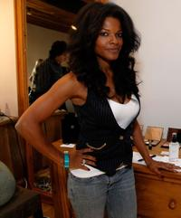Keesha Sharp at the Origins display during the Green Living gifting lounge.
