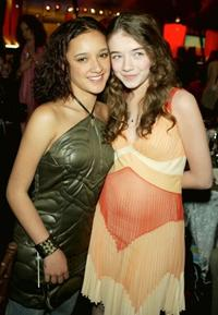 Keisha Castle-Hughes and Sarah Bolger at the 2004 IFP Independent Spirit Awards.