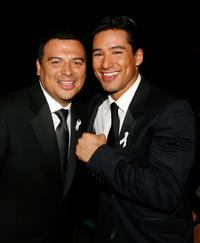 Carlos Mencia and Mario Lopez at the 2007 NCLR ALMA Awards.