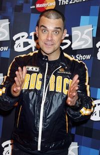 Robbie Williams at the 25th Anniversary BRIT Awards 2005.