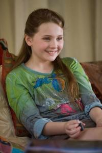 Abigail Breslin as Anna in