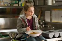 Abigail Breslin as Zoe in