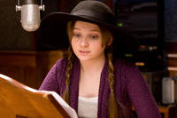 Abigail Breslin on the set of