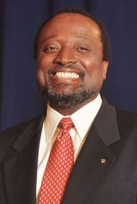 Alan Keyes at the dinner in Manchester, New Hampshire.