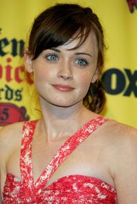 Alexis Bledel at the 2005 Teen Choice Awards.
