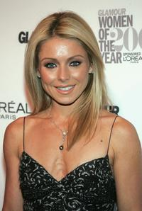 Kelly Ripa at the Glamour Magazine 2004 Women of the Year awards.