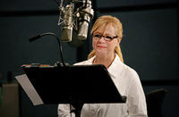 Bonnie Hunt on the set of