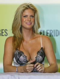 Rachel Hunter at the launch of Ultimo's Autumn/Winter 2004 Collection.