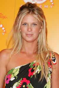 Rachel Hunter at the Meow Mix Celebration of the Meow Mix Acatemy.