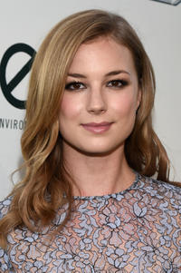 Emily VanCamp at the 24th Annual Environmental Media Awards presented by Toyota and Lexus at Warner Bros. Studios.