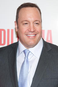 Kevin James at the Illinois premiere of