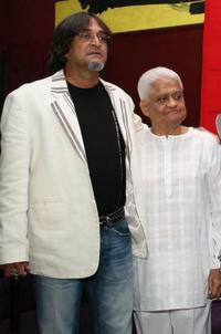 Mahesh Manjrekar and Pyarelal at the launch of ajayatul.com website.