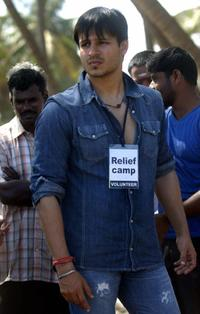 Vivek Oberoi at the Tsunami relief efforts at fishing village in Cuddalore.