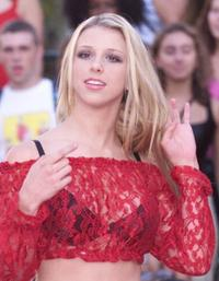 Melissa Schuman at the 2001 MTV Video Music Awards.