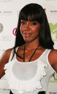 Kelly Rowland at the MTV's Xbox party.