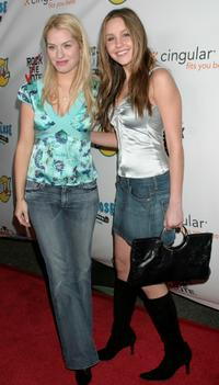 Leslie Grossman and Amanda Bynes at the 2004 Rock the Vote Awards.