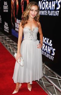 Alexis Dziena at the premiere of