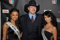 Rachel Smith, Trace Adkins and Riyo Mori at the viewing party of